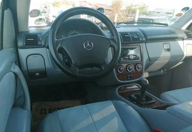 bord Mercedes ML